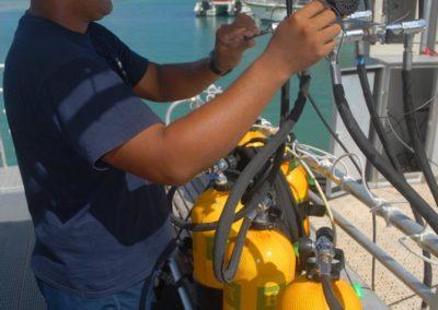 Contrôle technique des bouteilles de plongée sous-marine - Topdive Polynésie